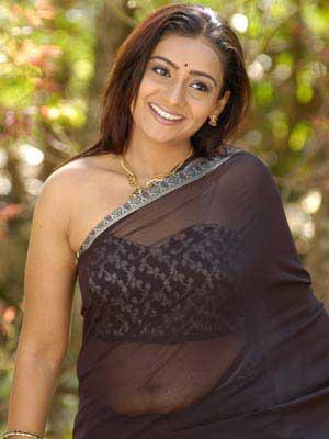 Meera Vasudevan Hot Pics