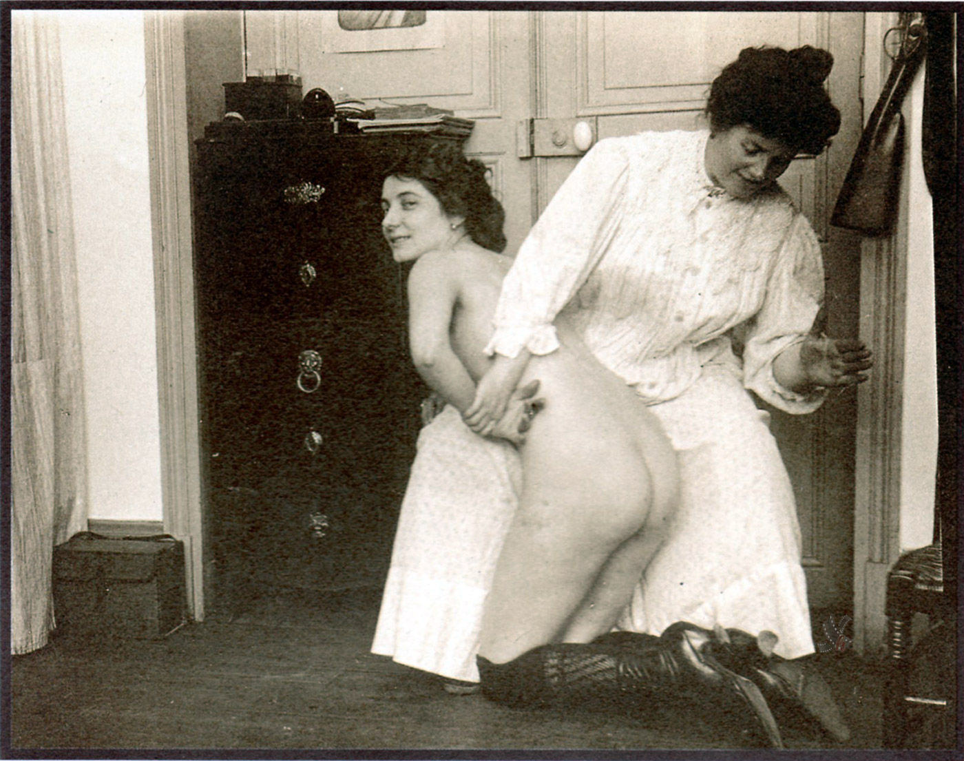 Retro vintage spanked daughters
