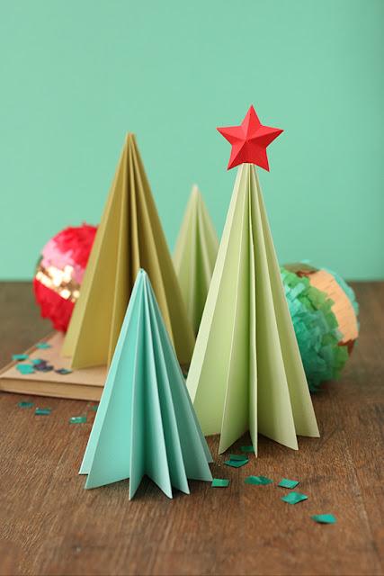 árvore de natal feita com dobradura