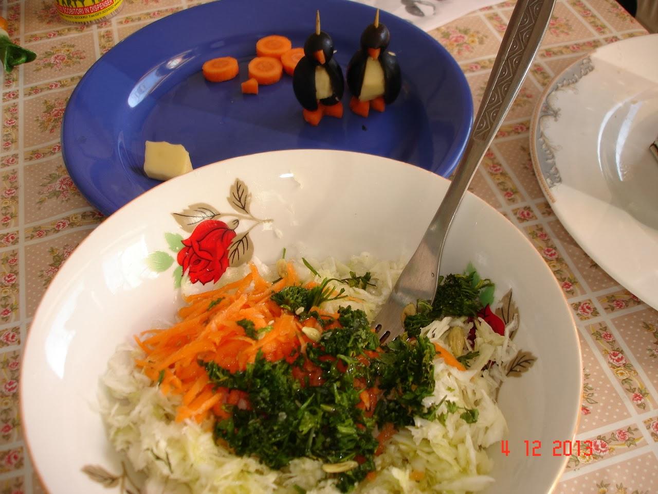 pinguini cu salata de varza