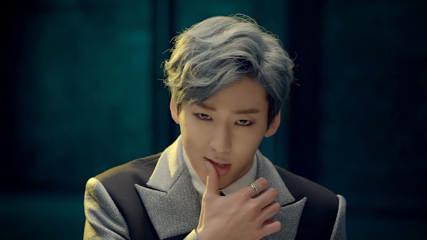 U-Kiss Kevin Quit Playing
