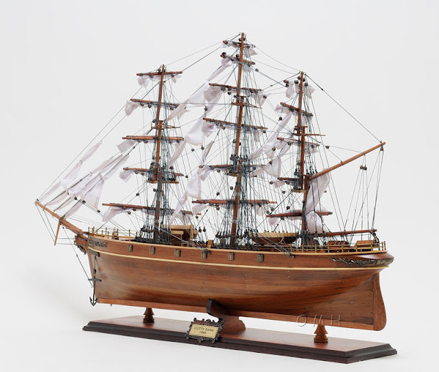 Wooden Clipper Model Ship Cutty Sark