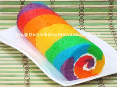 Bolu Gulung Kukus Rainbow (Steamed Rainbow Roll Cake)