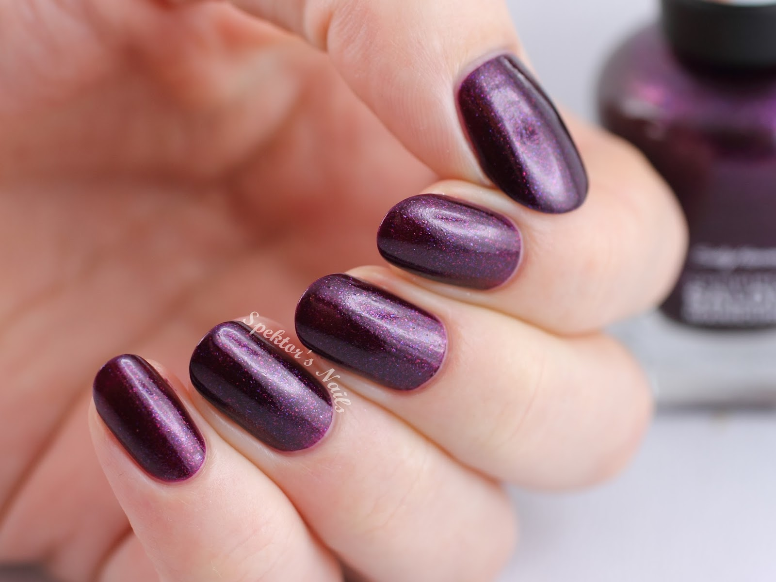 Sally Hansen - Rule of Plum