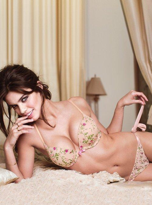 Victoria's Secret lingerie, lingerie models, Sara Sampaio