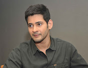 Mahesh Babu stylish photos-thumbnail-9