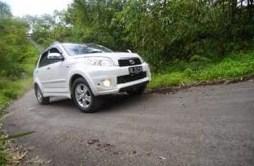 Berikut dan Tips Cara Mengemudi Mobil di Jalan Tanjakan, Ini Solusinya!