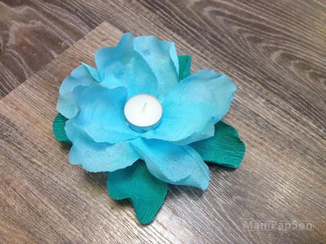 плавающий фонарик-цветок из гофрированной бумаги