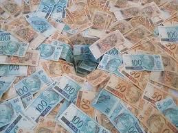 http://1.bp.blogspot.com/-zfW5V6lv5hM/T6sTJ0FP_tI/AAAAAAAACFI/BzCsVtpZic0/s400/dinheiro+reais,+po%C3%A7%C3%A3o+de+pedras.jpg