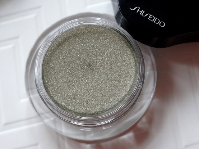 Shiseido Shimmering Cream Eye Color in GR125 and BR727 Review, Photos, Swatches
