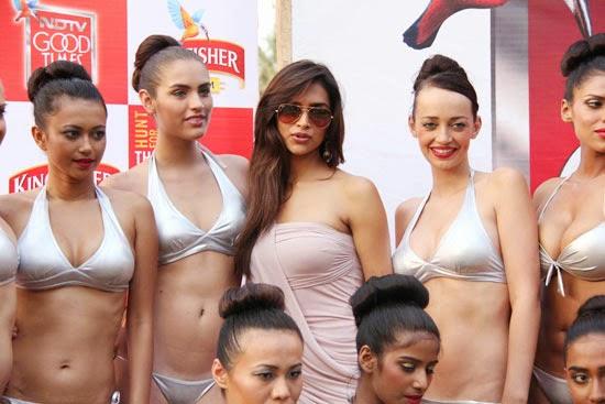 Deepika Padukone mobed by bikini models