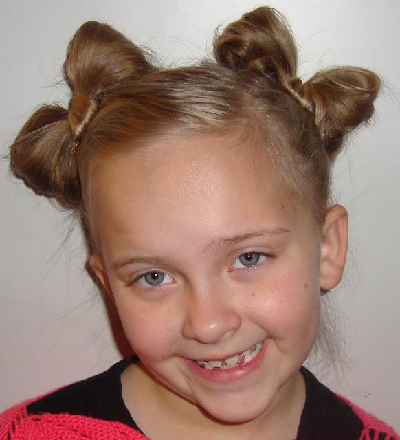 http://www.doodlecraftblog.com/2011/04/hair-bows.html