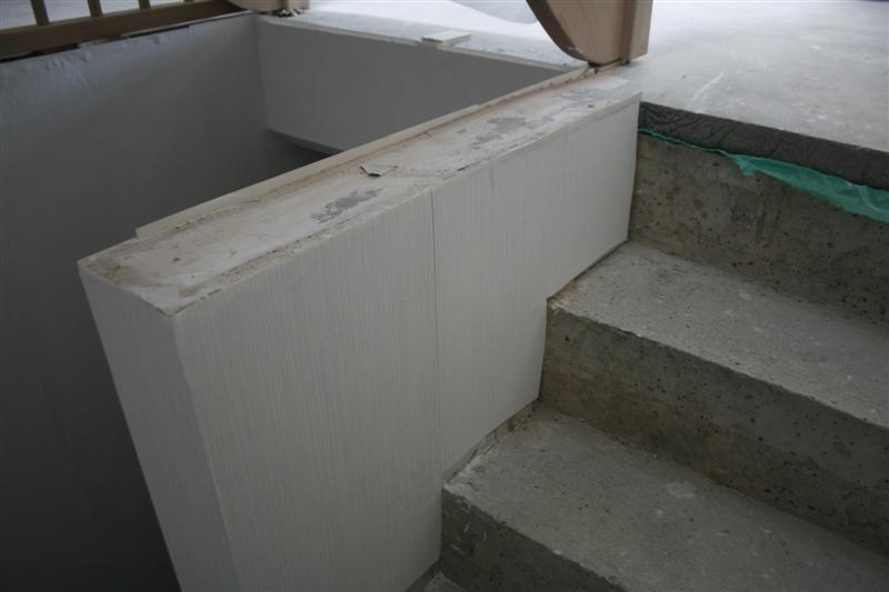 Het bouwen met gussek haus week 10 van de bouw werkdag 28 for Trapgat behangen