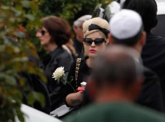 Kelly Osbourne, amiga de Amy Winehouse, en el funeral de la cantante fallecida-