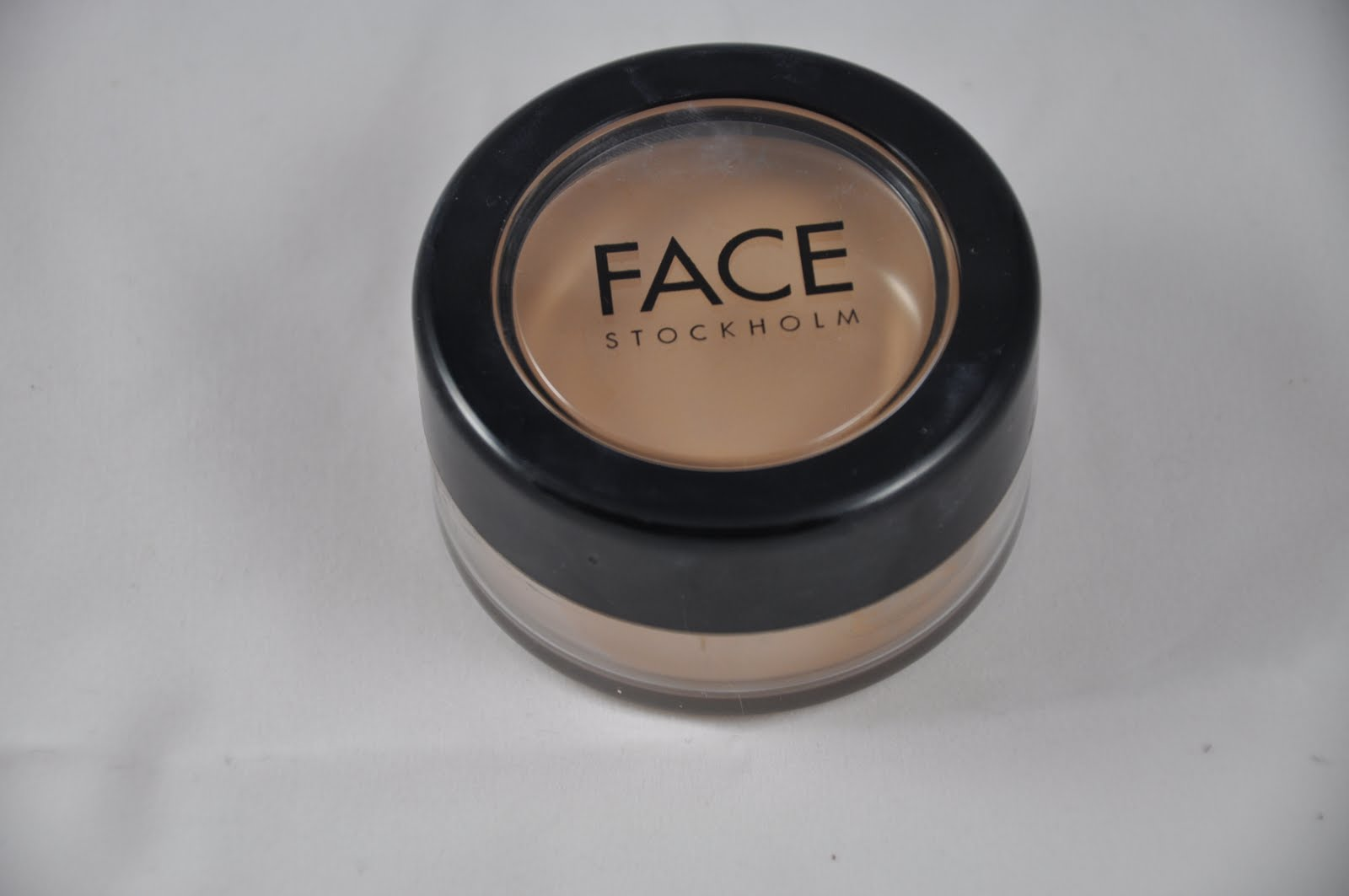 face stockholm picture perfect foundation