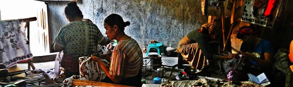 Ensiklopedia Batik Tradisional Indonesia.
