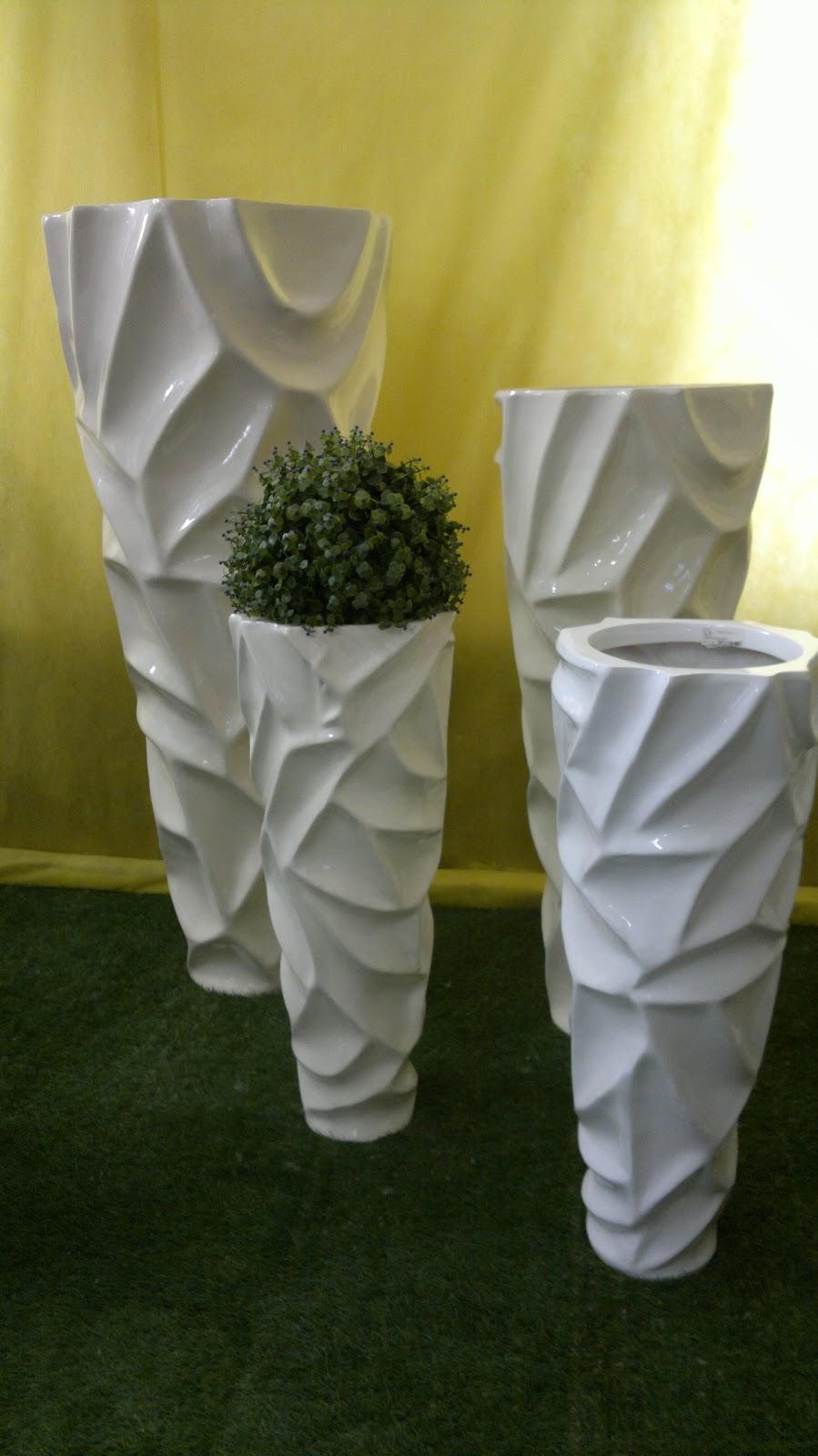 Archi tetti vasi da giardino for Grandi vasi da giardino