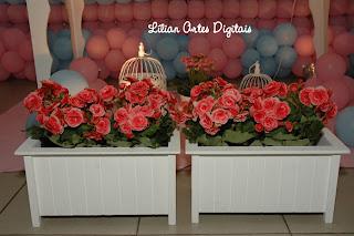 detalhe de flores provelçal personalizadas de passarinho