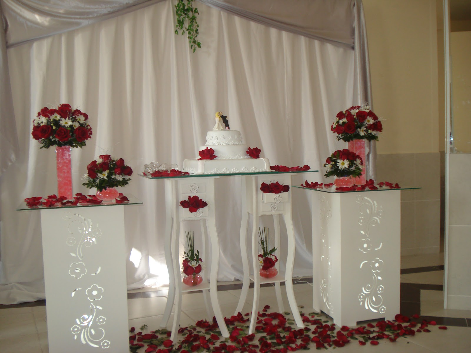 Decoracao De Casamento Vermelho E Branco # decoracao noivado branco e ...