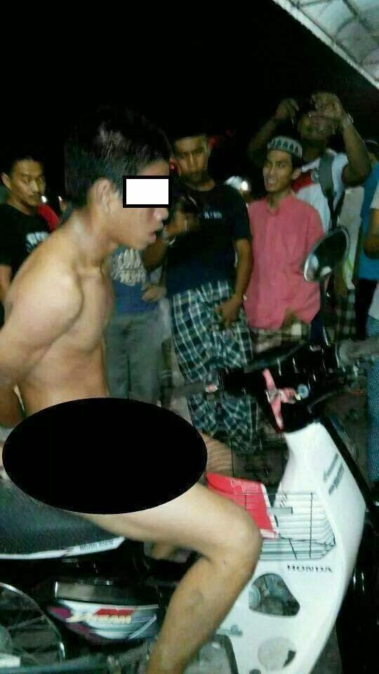 Remaja Dibogelkan Di Khalayak Ramai Akibat Curi Motosikal, Pencuri Motosikal Dibogelkan Di Khalayak Ramai