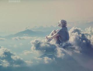 No es malo vivir en las nubes, lo malo es bajar.