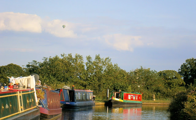 beautiful canal scene summer hot air balloon