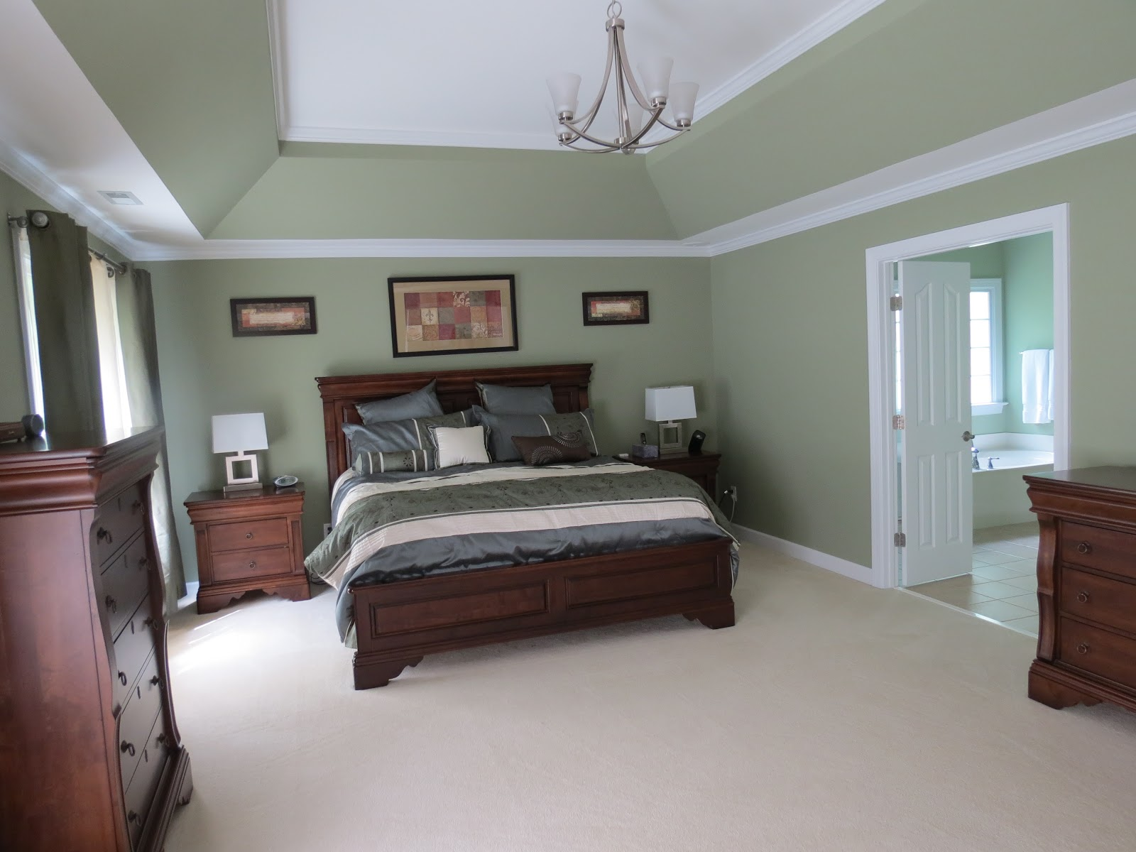Linda beam an affection for staging mz smarty mouth for Staging master bedroom
