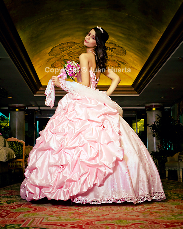 Houston quinceanera photography by Juan Huerta. Beautiful fine art quinceanera photography for your memorable day. Please contact Juan Huerta here for more information. Quinceaneras packages start at $595.