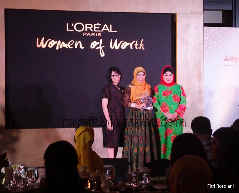 http://rayafr.blogspot.com/2014/12/women-of-worth-indonesia-2014.html