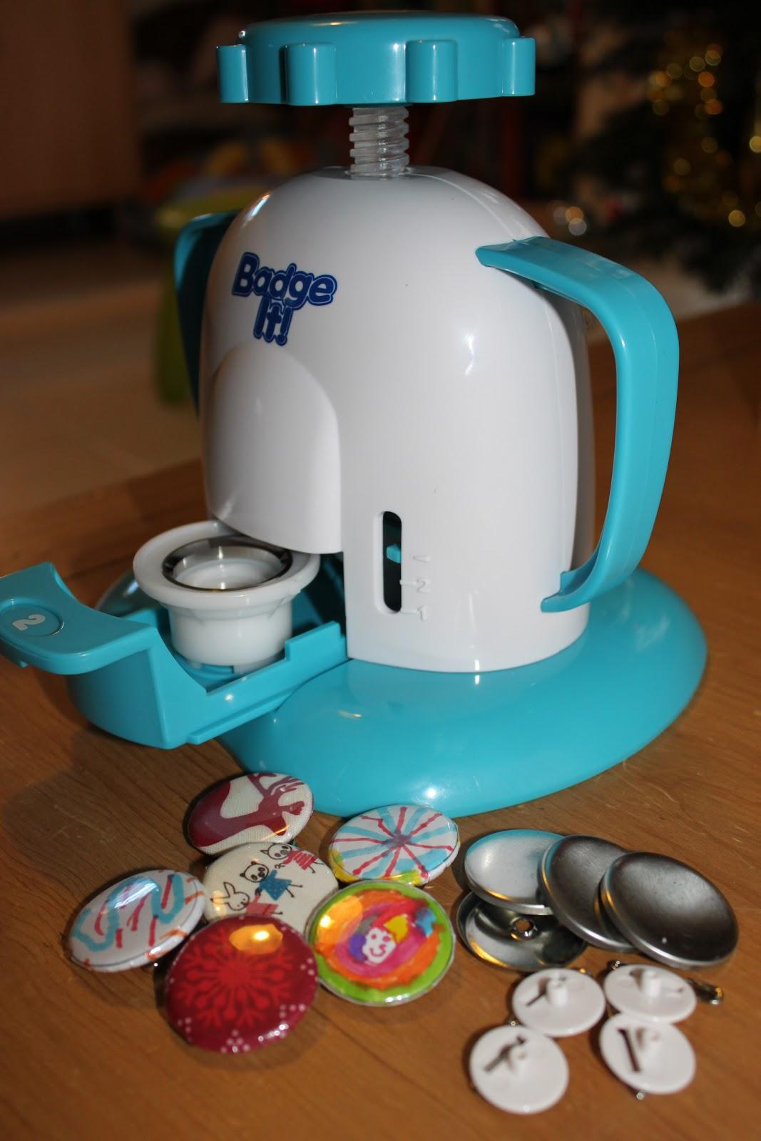 Petites coutures pour petites mains vous avez dit badge it - Machine pour faire des badges ...