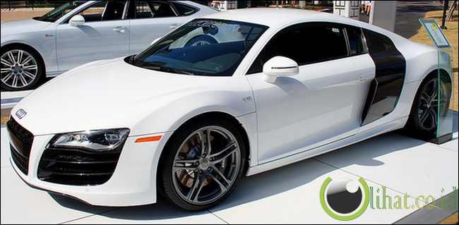 Audi R8 V10 Coupe -  Rp24 juta