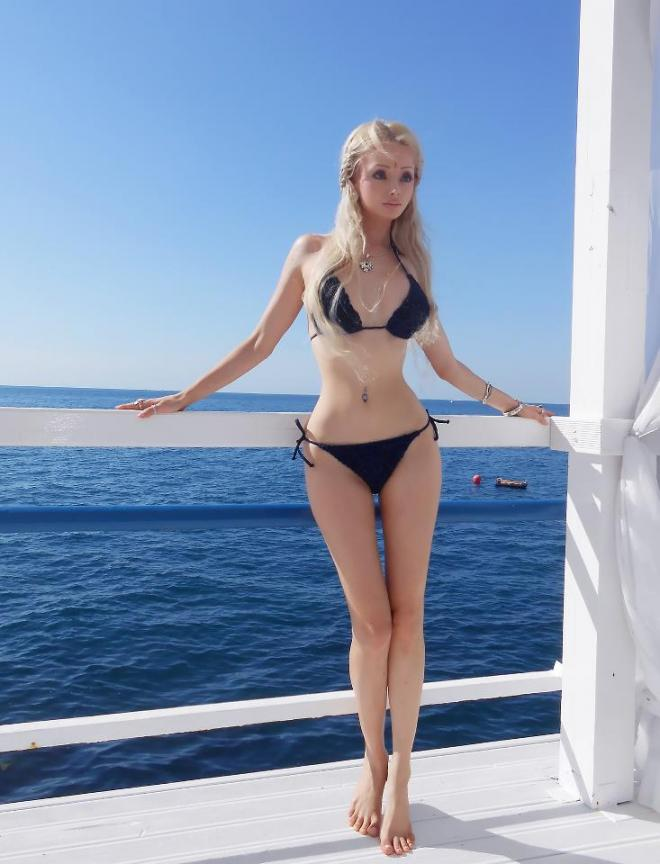 Fashion Salon Canada S Fashion Blog Valeria Lukyanova