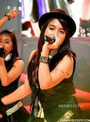 Foto Member JKT48 yang bikin kita salah Fokus