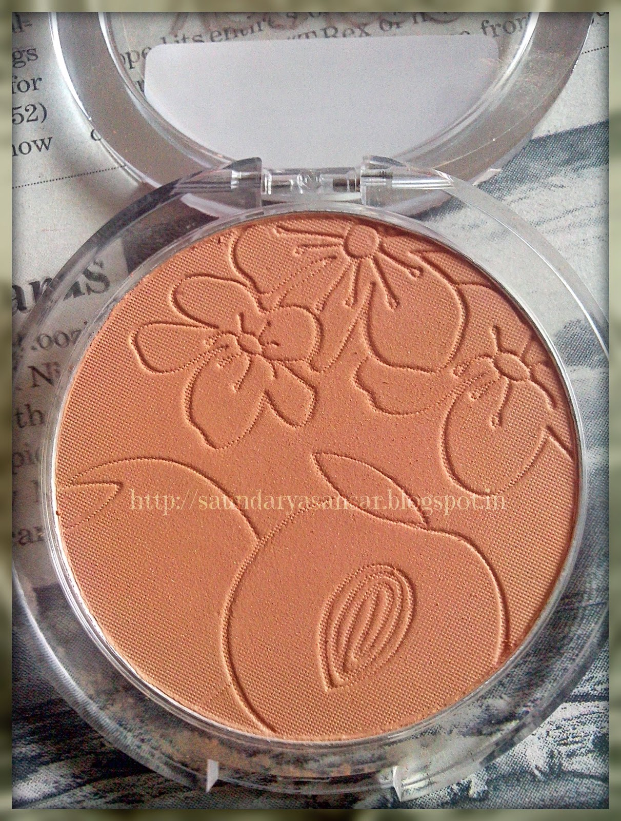 Oriflame VERY ME- Peach Me Perfect Powder- Clear Review