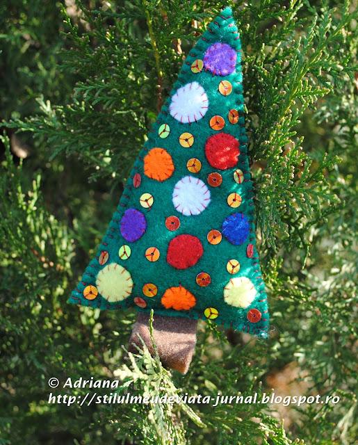 bradut din fetru, ornament de craciun