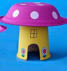 http://www.lasmanualidades.net/crear-casas-de-duendes-con-materiales-reciclados/