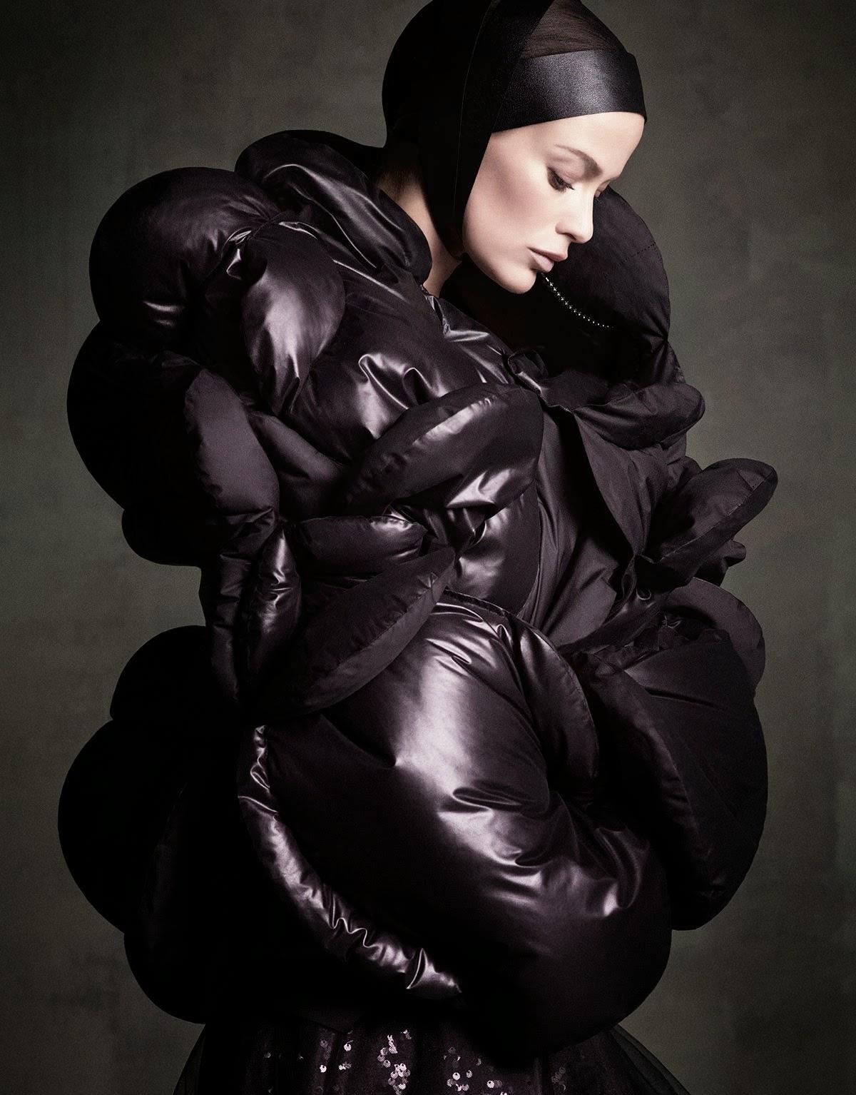 Carolyn-Murphy-Perfect-Icon-Vogue-Japan-September-2014