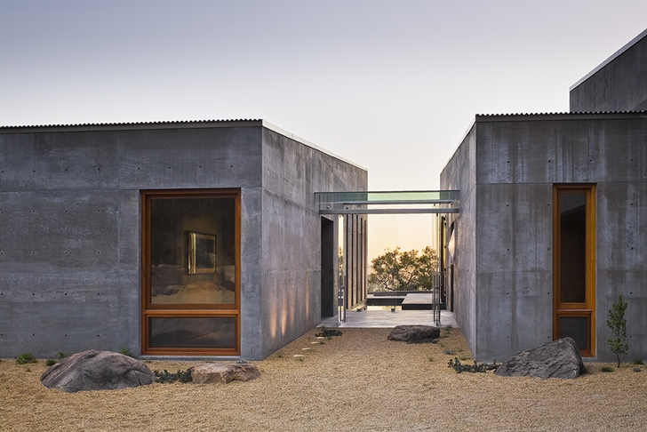 Entrance of Concrete House by Shubin + Donaldson Architects