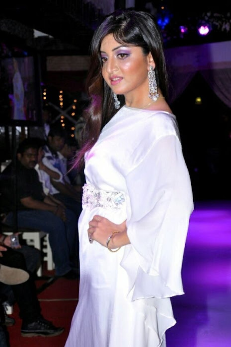 poonam kaur rwalk in white dress at sheesha sky launch photo gallery