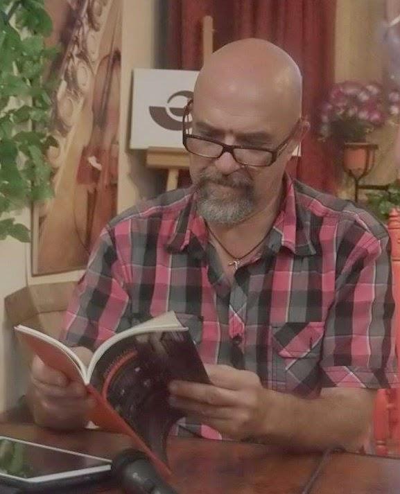 Paco Velázquez