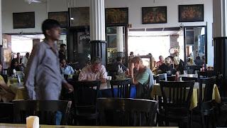 leopold-café-bombay