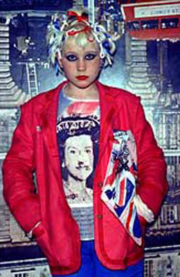 influence punk society and mainstream fashion Punk subculture includes a diverse array of  early punk fashion adapted everyday objects for aesthetic  partly because of the influence of punk rock,.