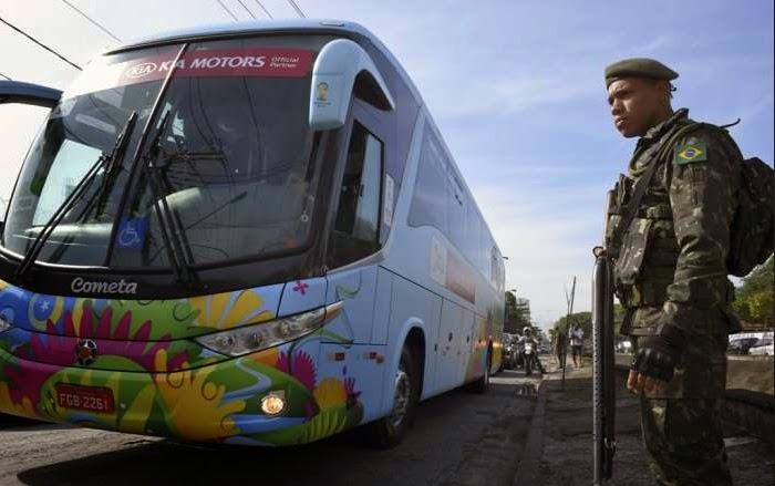 Skuad Meksiko Numpang Taksi Gara-Gara Vasilitas Bis Brazil Rusak