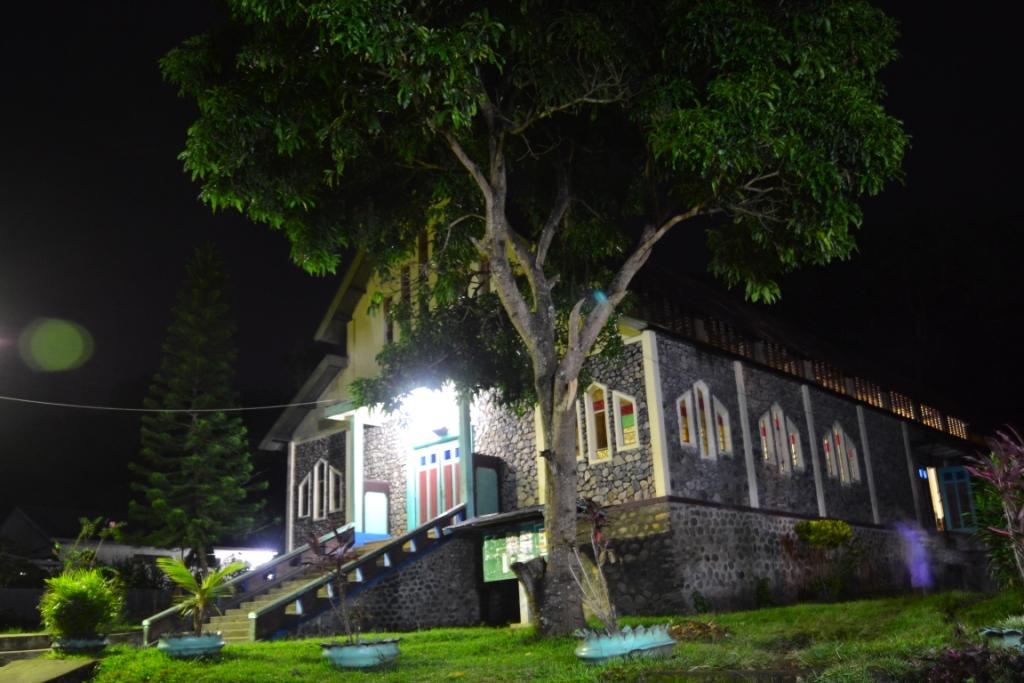 Gereja HAK. Wolowaru...
