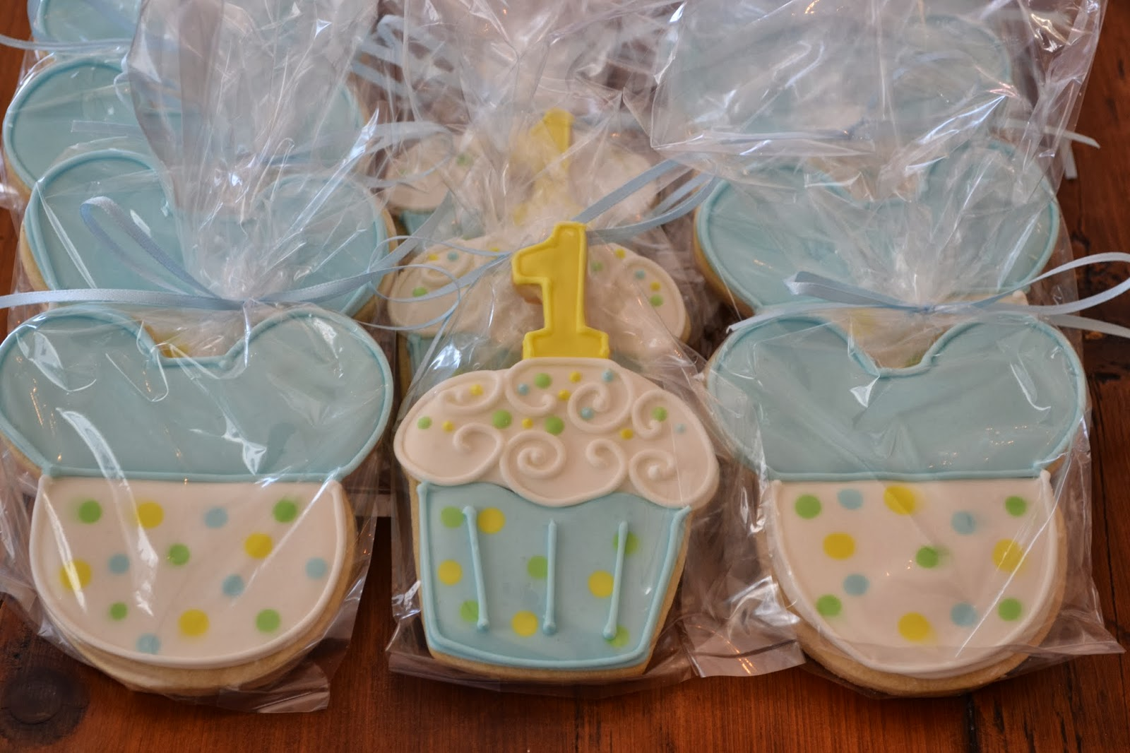 jackandy cookies: Mickey Mouse 1st Birthday Cookie Favors
