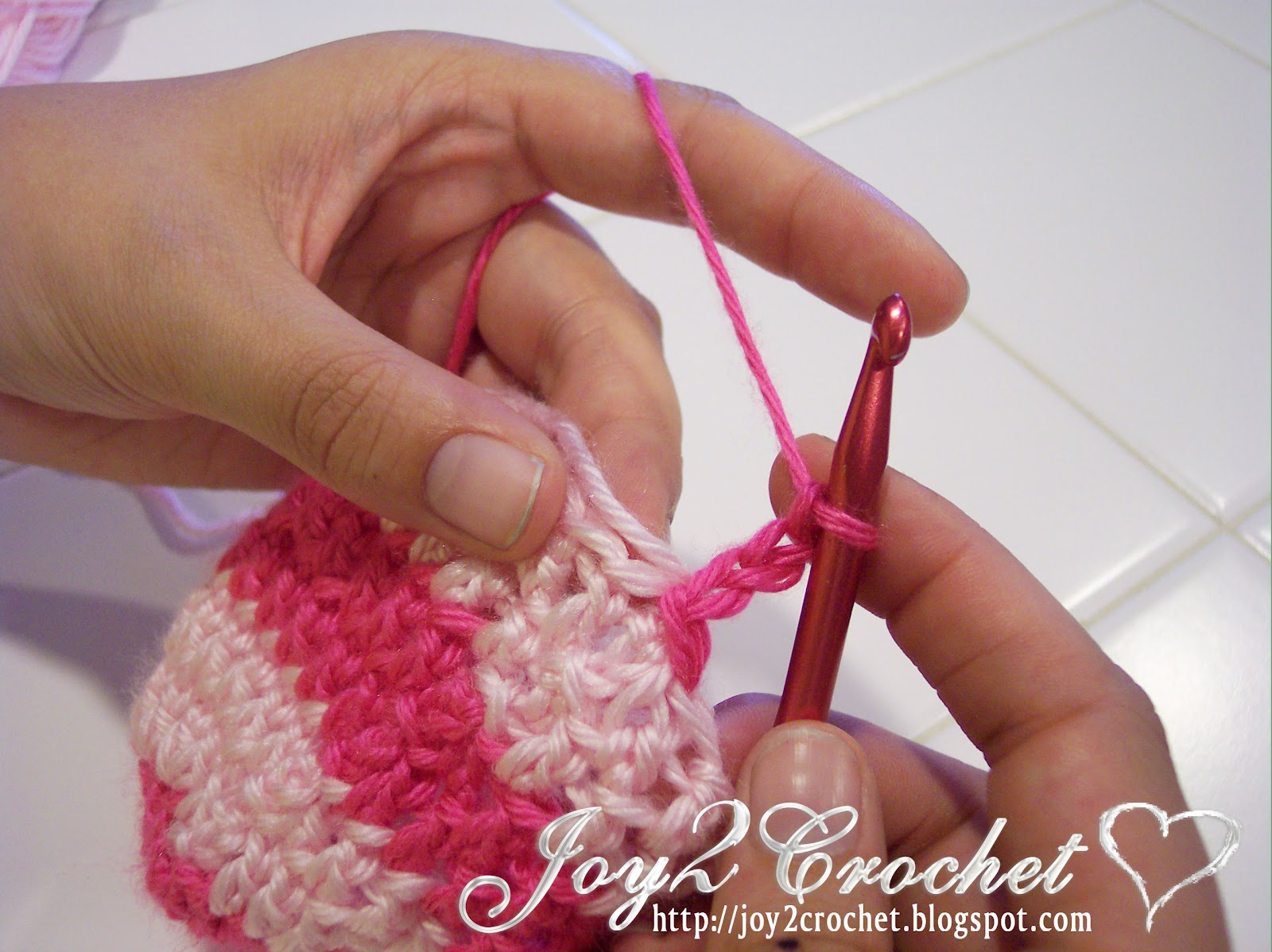 Crocheting Over Ends : Crochet: How to Change Colors while crocheting (No weaving in ends ...