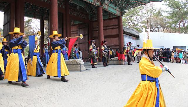 Cambio de la guardia en Deoksugung