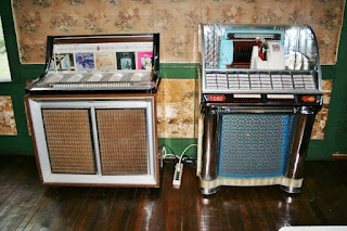 Seeburg Jukeboxes, Birch Lodge, Trout Lake MI