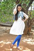 Nikitha Narayan new glam pics-thumbnail-10
