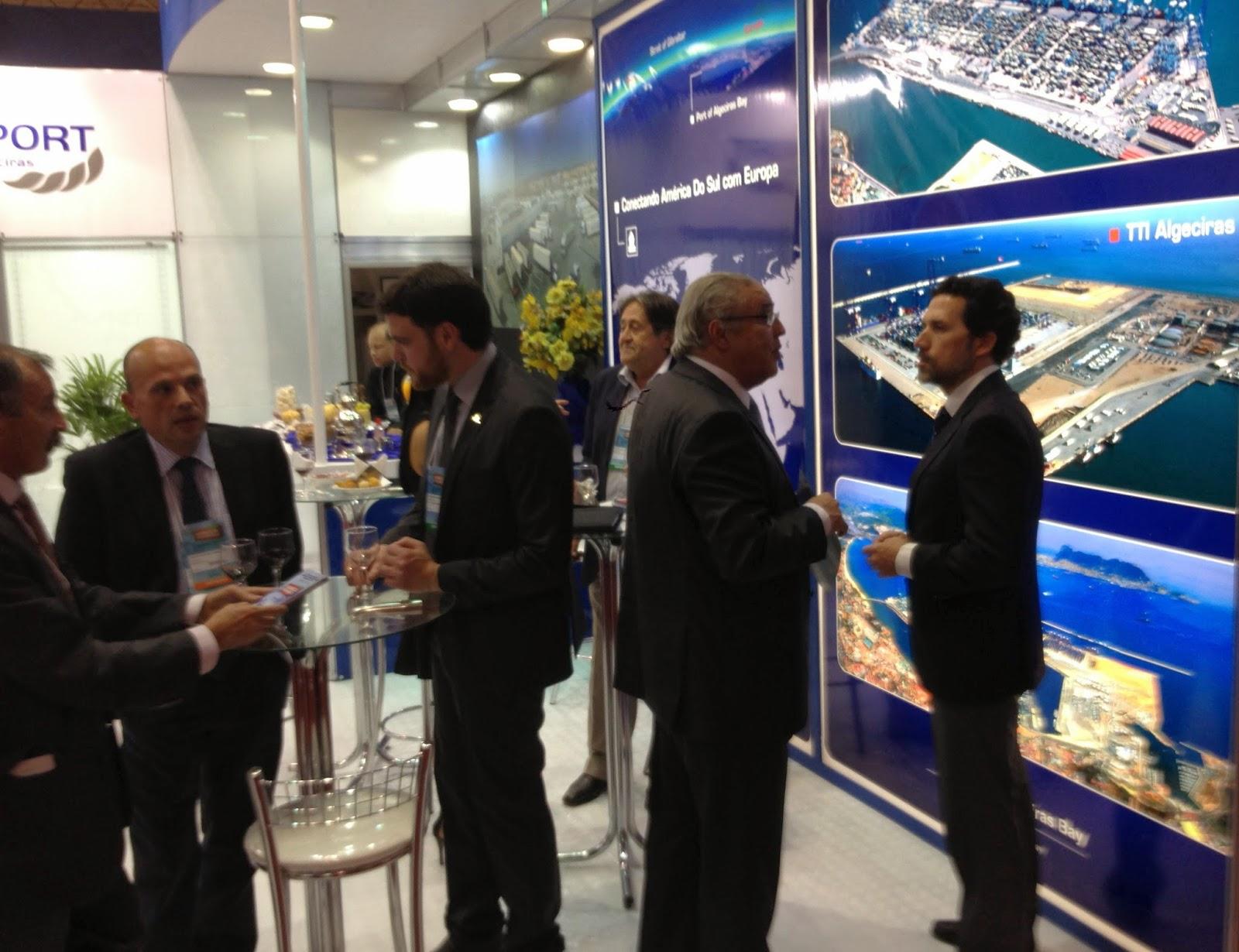 Intermodal. El presidente del Puerto de Santos visita el stand del Puerto de Algeciras